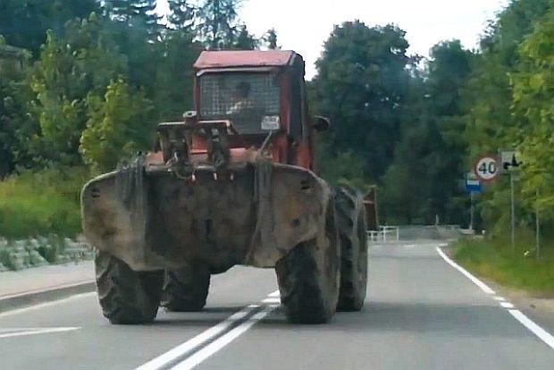 Pi�e�, nie jed�... traktorem | Wideo