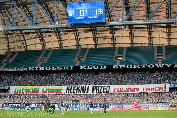 Transparent na meczu Lecha Pozna�