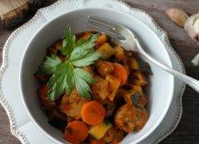 Warzywne ragout z kie�bas� - ugotuj