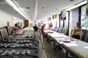 W ASP trwaj� letnie kursy tkaniny artystycznej