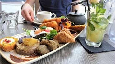 Jedzenie wegetariańskie nudne i nieurozmaicone? Bzdura, podobnie, jak przekonanie, że dieta bez mięsa musi być niedoborowa