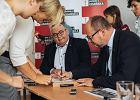 Pawe� Adamowicz gorzko o szkolnych reformach PiS