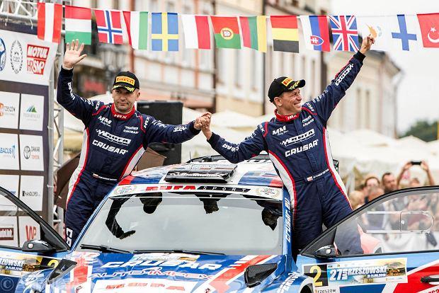 Zdjęcie numer 12 w galerii - 27. Rajd Rzeszowski. Nikolay Gryazin świętował zwycięstwo na rzeszowskim Rynku [GALERIA]
