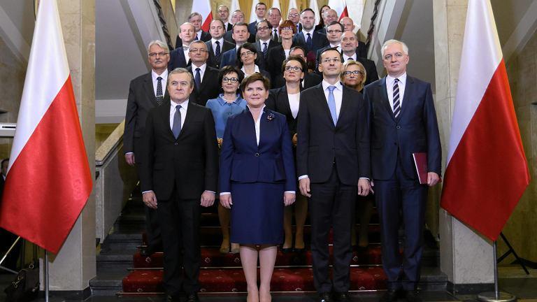 Pierwsze posiedzenie rządu Beaty Szydło