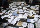 Faktura na 12 milion�w dolar�w. Co znaleziono w dokumentach z rezydencji Janukowycza