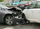 Mieli wypadek i nie dotarli na matury. Zderzenie trzech samochodów pod Krotoszynem