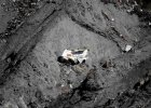 Katastrofa Germanwings. Ostatnie chwile lotu zarejestrowano na filmie. W szczątkach samolotu odnaleziono telefon z nagraniem