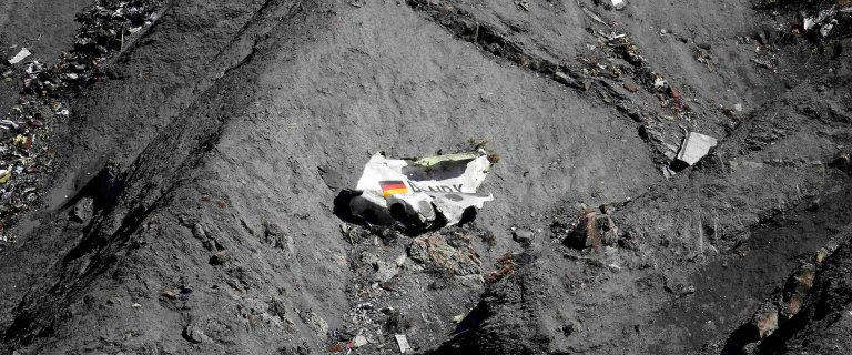 Krzyki i wszystko si� urywa. Jest film z ostatnich chwil lotu Germanwings. Ratownicy znale�li nagranie