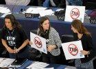 Eksperci: Umowa handlowa UE - USA korzystna dla korporacji