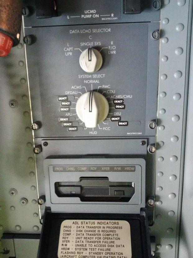 Boeing używa stacji dyskietek