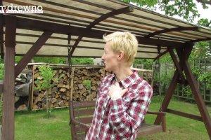DomiDrewno: Jak odnowi� hu�tawk� z zadaszeniem