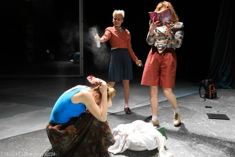 Zdjęcie numer 2 w galerii - Stary Teatr: Kopciuszek. Świat, w który wchodzi się z przyjemnością