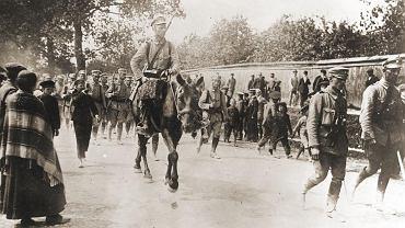 Zwiad kawaleryjski 'Beliny' miał sprawdzić, na jakie siły rosyjskie może się natknąć Pierwsza Kompania Kadrowa, która miała pomaszerować z Krakowa i wzniecić w Kongresówce antyrosyjskie powstanie. 6 sierpnia Kadrówka bez przeszkód dotarła do Kielc (na zdjęciu), ale ludność polska powitała ją nieufnie i wcale do walki z zaborcą się nie paliła.
