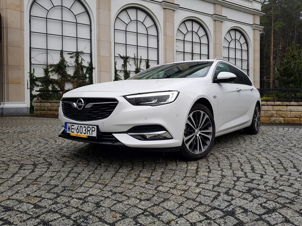 opel insignia sports tourer 2 0 cdti 170 km test recenzja opinia trasa diesel cena. Black Bedroom Furniture Sets. Home Design Ideas