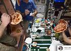 Astronauci pokazali jak robi się pizzę w kosmosie. Najbardziej niesamowity moment? Jedzenie!