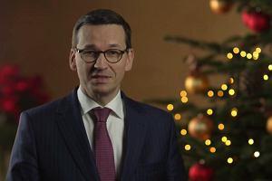 Mateusz Morawiecki w świątecznym nagraniu wystąpił z dziećmi. Życzenia złożył wierszem