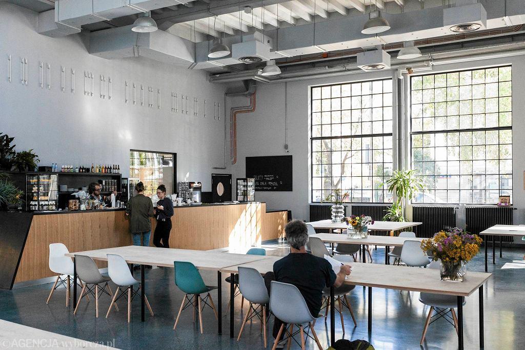 Nowe Miejsce - kawiarnia w Nowym Teatrze / DAWID ZUCHOWICZ