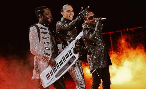 W końcu się doczekaliśmy! Po siedmiu latach The Black Eyed Peas wracają! Właśnie wydali swój nowy singiel. Ale, chwila. Gdzie jest Fergie?