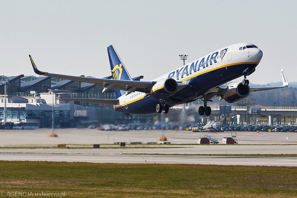 Ryanair zwiększył kwartalny zysk o 12 proc.