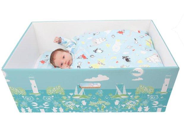 Fińskie kartonowe łóżeczko