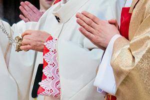 Syn księdza Irka nie może wejść do domu, który odziedziczył po ojcu. Rodzina zmarłego bojkotuje wyrok