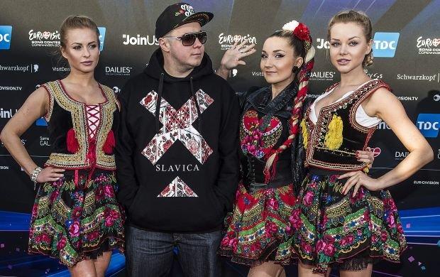 """Cała Polska i pół Europy widziały jak """"ubijają"""" masło. Ola Ciupa i Paula Tomala dotarły z Donatanem na Eurowizję. Wcześniej był słynny klip. Okazuje się, że naprawdę wystąpiły w nim za darmo."""