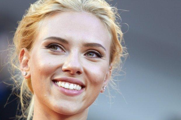 Zaskakuj�cy fina� skandalu ze Scarlett Johansson. Aktorka opu�ci�a organizacj� humanitarn�
