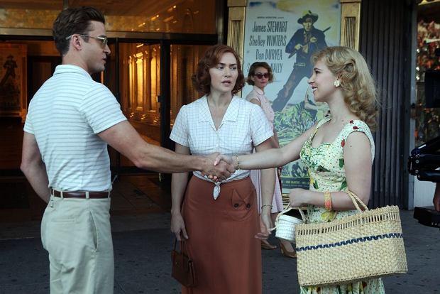 """""""Na karuzeli życia'' to najnowszy film Woody'ego Allena. W  dramacie znanego reżysera główne role zagrali Justin Timberlake i Kate Winslet. Kiedy film pojawi się w naszych kinach?"""