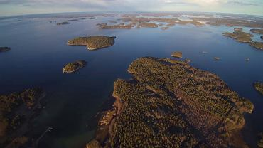 Dość płytki rejon Bałtyku pomiędzy Szwecją a Finlandią zwany Morzem Archipelagowym to mozaika tysięcy większych i mniejszych wysp