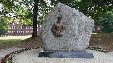 Pomnik pamięci 'żołnierzy wyklętych' niedaleko Cmentarza Garnizonowego w Gdańsku.
