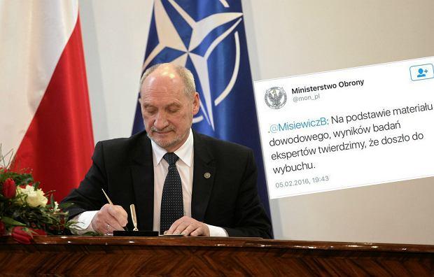 Antoni Macierewicz podczas podpisania rozporzadzenia ministra w sprawie organizacji oraz dzialania Komisji Badania Wypadkow Lotniczych Lotnictwa Panstwowego