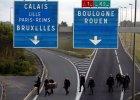 Sukces w Calais? Spółka Eurotunnel: Mniej imigrantów próbuje dostać się do terminalu