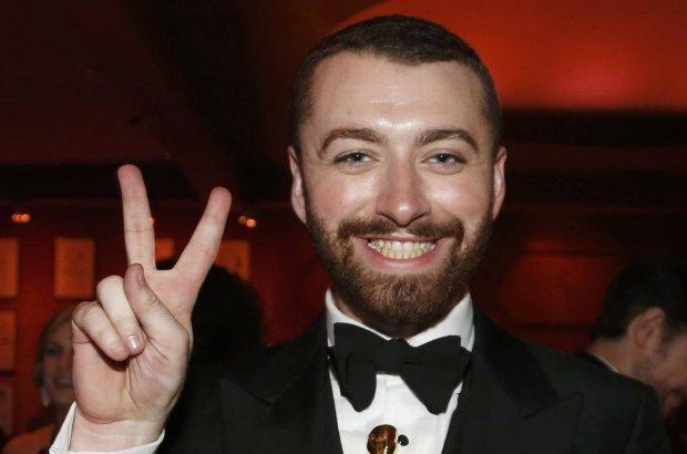 Sam Smith twierdził, że jest pierwszym gejem przyznającym się do swojej orientacji, który zdobył Oscara. Był w dużym błędzie. Szkoda, że nie sprawdził tego w Google.