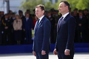Andrzej Duda leci do Australii. Po fregaty i flagę