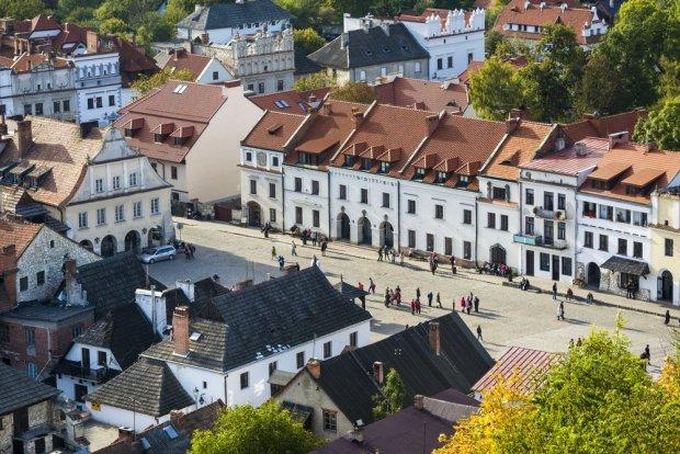 Kazimierz Dolny: Atrakcje, co warto zobaczy� i zwiedzi�
