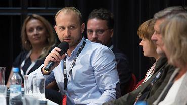 Festiwal Polskich Filmów Fabularnych Gdynia 2018. Konferencja prasowa po pokazie filmu 'Kamerdyner' Filipa Bajona. Borys Szyc