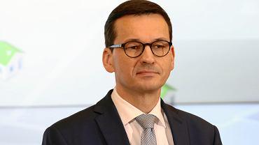 Premier rządu PiS Mateusz Morawiecki podczas konferencji dot. walki ze smogiem. Warszawa, KPRM, 22 lutego 2018