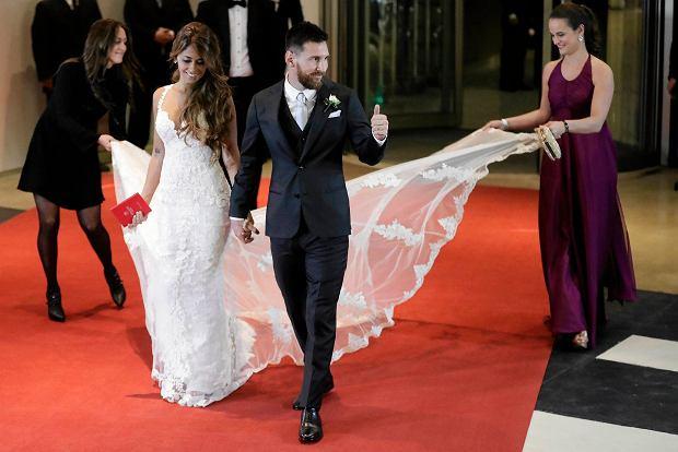 Zdjęcie numer 0 w galerii - Leo Messi już po ślubie! Wielka uroczystość i wielkie gwiazdy w Rosario [ZDJĘCIA]