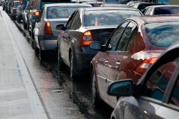Jak fizycy radz� sobie z ulicznymi korkami? Porady praktyczne!