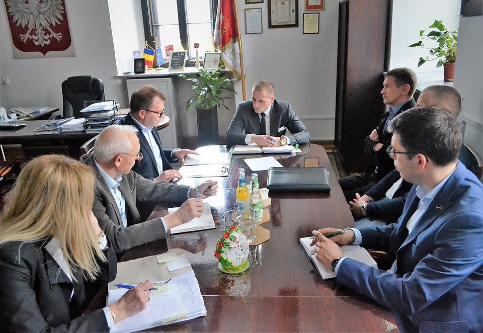 Spotkanie burmistrza Szydłowca z prezesem firmy Biella