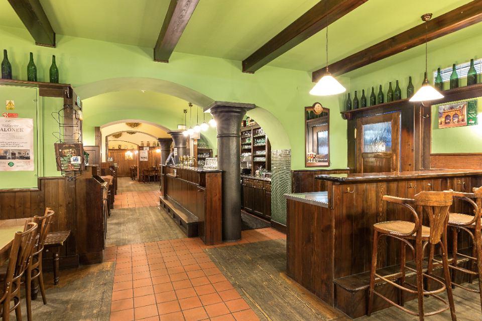 Wnętrze pubu Na Parkánu