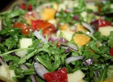 Chrupiąca sałatka bałkańska - ugotuj