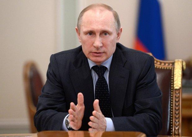 Putin: Wi�cej rosyjskich �o�nierzy w Arktyce. Turczynow wznawia operacj� antyterrorystyczn� [PODSUMOWANIE DNIA NA UKRAINIE]