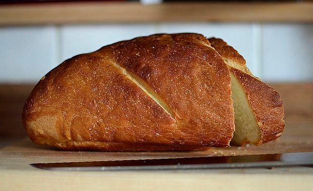 Gluten to białko roślinne, które występuje w nasionach pszenicy, żyta i jęczmienia