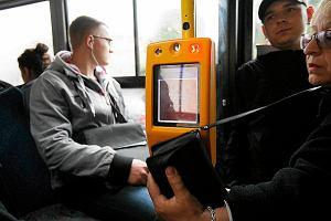 http://bi.gazeta.pl/im/17/c6/b4/z11847191M,Czytnik-do-kart-miejskich-w-bialostockich-autobusach.jpg