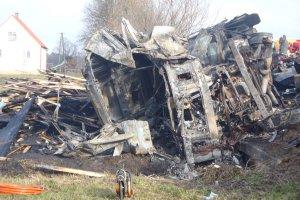 Tragiczny wypadek na S8. Trzy osoby nie �yj�