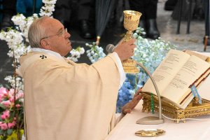 W wielkanocnym or�dziu papie� Franciszek apeluje o pok�j w Iraku, Syrii i na Ukrainie