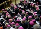 """""""Jeden z najgorszych dokument�w w historii Ko�cio�a"""" czy """"prze�om""""? Dyskusja o homoseksualistach na synodzie wywo�a�a burz�"""