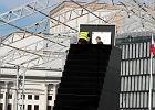 Odsłonięcie pomnika smoleńskiego zbojkotowane przez polityków. Dużo objazdów [MAPA]