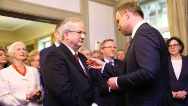 """Duda wr�czy� order dzia�aczowi proputinowskiemu. """"To rasista i antysemita"""""""